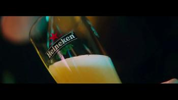 Heineken TV Spot, 'La mirada' con Benicio del Toro [Spanish] - Thumbnail 3