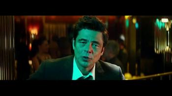 Heineken TV Spot, 'La mirada' con Benicio del Toro [Spanish] - Thumbnail 4