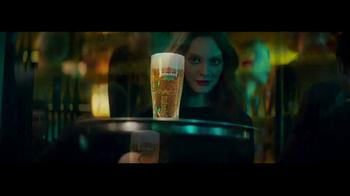 Heineken TV Spot, 'La mirada' con Benicio del Toro [Spanish] - Thumbnail 7