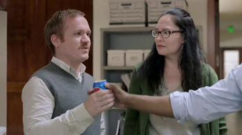 Pepsi TV Spot, '#BreakOutThePepsi: Printer' Featuring Stephen Gostkowski - Thumbnail 4