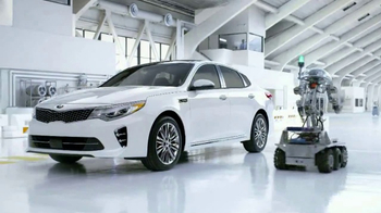 2017 Kia Optima TV Spot, 'Robot-Tested Smart Trunk Technology: Tests' [T1] - 821 commercial airings