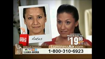 Luminess Air TV Spot, 'Maquillaje revolucionario' [Spanish] - Thumbnail 8