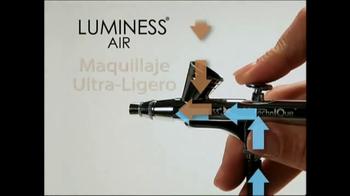 Luminess Air TV Spot, 'Maquillaje revolucionario' [Spanish] - Thumbnail 3