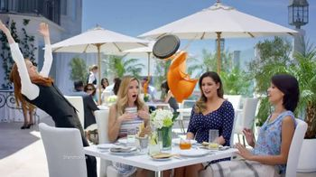 SKECHERS WORK Slip-Resistant TV Spot, 'Toma dos' con Kelly Brook [Spanish] - 307 commercial airings