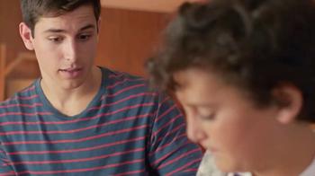 EGGO Waffles TV Spot, 'Regla EGGO No. 94: Brothers' [Spanish] - Thumbnail 4