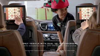 Chrysler 2016 Big Finish Event TV Spot, 'PacifiKids: Stowing & Screens' [T2] - Thumbnail 5