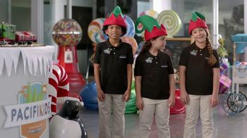 Chrysler 2016 Big Finish Event TV Spot, 'PacifiKids: Stowing & Screens' [T2]