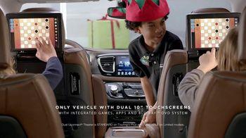 Chrysler Big Finish Event TV Spot, 'PacifiKids: Stowing & Screens' [T2] - Thumbnail 5