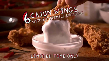 Popeyes Classic Cajun Wings TV Spot, 'Football Chat' Featuring Jerry Rice - Thumbnail 7