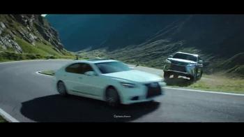 2017 Lexus LX 570 TV Spot, 'Route' [T2] - Thumbnail 4