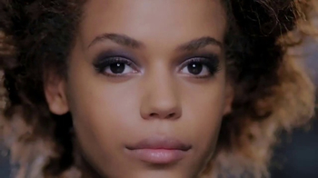 Rimmel London Scandaleyes Thick & Thin Liner TV Spot, 'Edge Your Look'