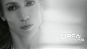 L'Oreal Bright Reveal Peel Pads TV Spot, 'Exfoliate' Feat. Jennifer Lopez - Thumbnail 1