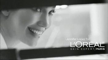 L'Oreal Bright Reveal Peel Pads TV Spot, 'Exfoliate' Feat. Jennifer Lopez - Thumbnail 2
