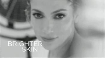 L'Oreal Bright Reveal Peel Pads TV Spot, 'Exfoliate' Feat. Jennifer Lopez - Thumbnail 7