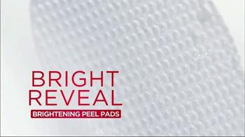L'Oreal Bright Reveal Peel Pads TV Spot, 'Exfoliate' Feat. Jennifer Lopez - Thumbnail 9