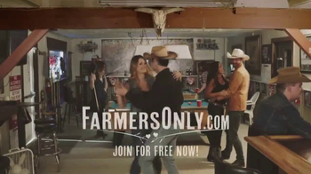 FarmersOnly.com TV Spot, 'Country Night at the Bar' - Thumbnail 5