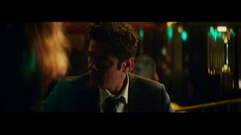 Heineken TV Spot, 'The Look' Featuring Benicio del Toro, Song by Donovan - Thumbnail 7