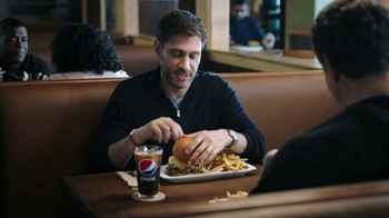 Applebee's All-In Burger Meal Deal TV Spot, 'M&M Win Seared In' - Thumbnail 3