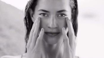 Bare Minerals SkinLongevity TV Spot, 'Define Beautiful' - Thumbnail 4