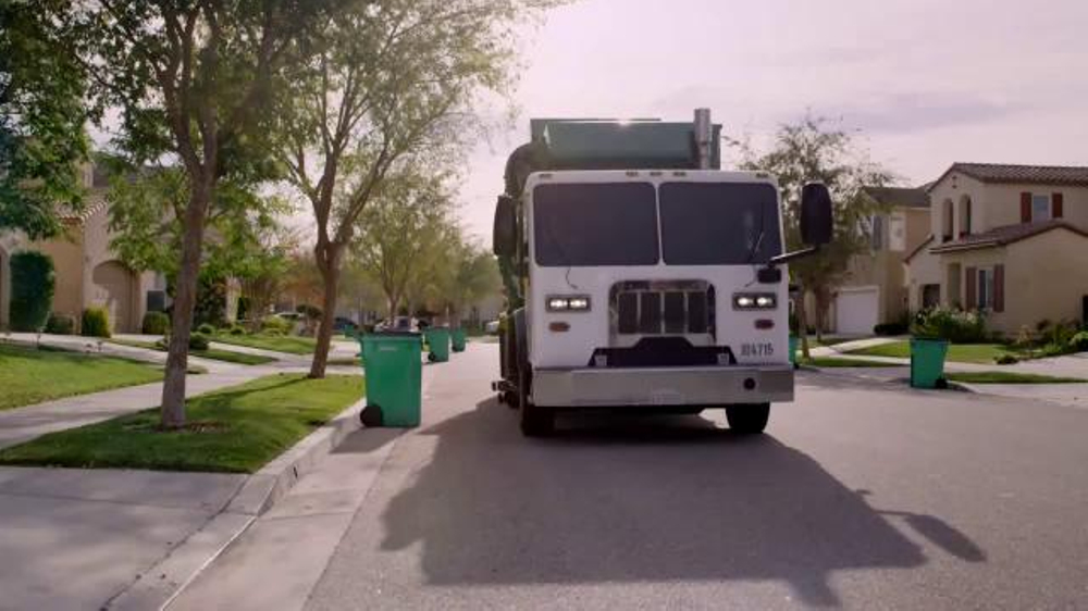 Waste Management TV Commercial, 'Motion Sickness'