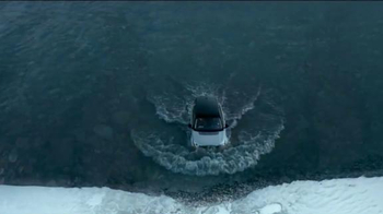 Land Rover Season of Adventure Sales Event TV Spot, 'The Crossing' - Thumbnail 3