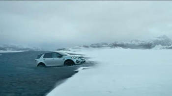 Land Rover Season of Adventure Sales Event TV Spot, 'The Crossing' - Thumbnail 4