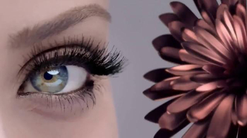 Maybelline New York Lash Sensational Luscious TV Spot, 'Full-Fan Effect'