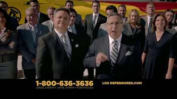 Los Defensores TV Spot, 'Accidente de auto' [Spanish] - Thumbnail 10