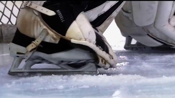 Hockey Monkey TV Spot, 'Gear Up' - Thumbnail 4
