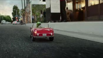 GEICO TV Spot, 'Valet: Gecko Journey' - Thumbnail 4