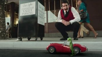 GEICO TV Spot, 'Valet: Gecko Journey' - Thumbnail 5