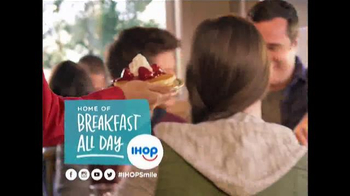 IHOP All You Can Eat Pancakes TV Spot, 'It's Back!' - Thumbnail 6