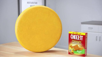 Cheez-It Grooves Hot & Spicy TV Spot, 'Married' - Thumbnail 5