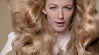 L'Oreal Paris Extraordinary Oil TV Spot, 'Rebirth' Featuring Blake Lively - Thumbnail 10