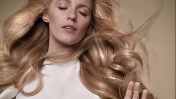 L'Oreal Paris Extraordinary Oil TV Spot, 'Rebirth' Featuring Blake Lively - Thumbnail 8