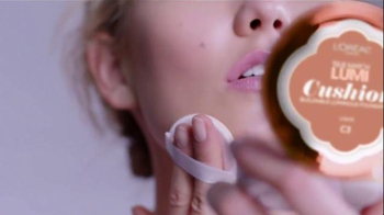 L'Oreal Paris True Match Lumi Cushion TV Spot, 'Tap Tap' Ft. Karlie Kloss - Thumbnail 2