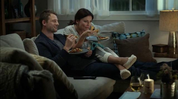 Papa Murphy's Pizza Tuscan Chicken & Sausage TV Spot, 'No Reservation' - Thumbnail 4