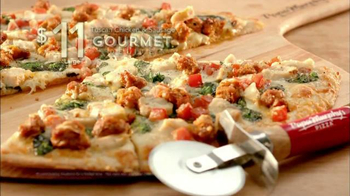 Papa Murphy's Pizza Tuscan Chicken & Sausage TV Spot, 'No Reservation' - Thumbnail 7