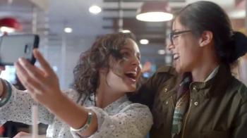 McDonald's McPick 2 TV Spot, 'Escoge dos' [Spanish] - Thumbnail 7