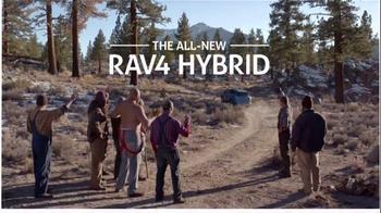 2016 Toyota RAV4 Hybrid TV Spot, 'Lumberjacks Challenge' Ft. James Marsden - Thumbnail 6