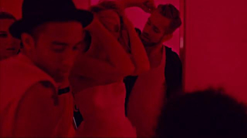 Juicy Couture Viva La Juicy TV Spot, 'Party in Pink' Ft. Candice Swanepoel - Thumbnail 4