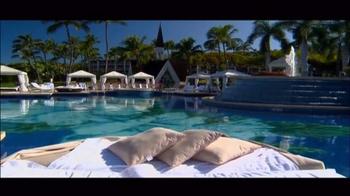 Grand Wailea TV Spot, 'Destination Getaway' - Thumbnail 6