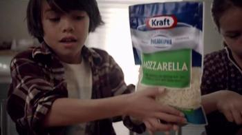 Kraft Natural Mozzarella Shredded Cheese TV Spot, 'Creamy' - Thumbnail 4