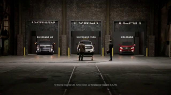 Chevrolet Holiday Bonus Tag TV Spot, 'Best in Class: Motor Trend Award' - Thumbnail 6