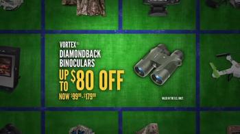 Cabela's Christmas Sale TV Spot, 'Camo, Smokers, Binoculars' - Thumbnail 6