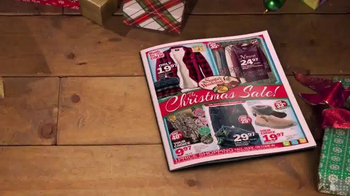 Bass Pro Shops Christmas Sale TV Spot, 'Hoodies, Slippers and Jeans' - Thumbnail 5