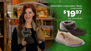 Bass Pro Shops Christmas Sale TV Spot, 'Hoodies, Slippers and Jeans' - Thumbnail 7