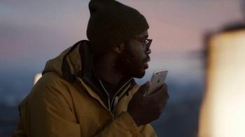 Apple iPhone 6s TV Spot, 'Ridículamente poderoso' con Jon Favreau [Spanish] - Thumbnail 9