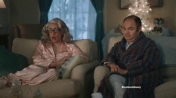 Old Navy TV Spot, 'Compra regalos' con Judy Reyes y Fred Armisen [Spanish] - 16 commercial airings