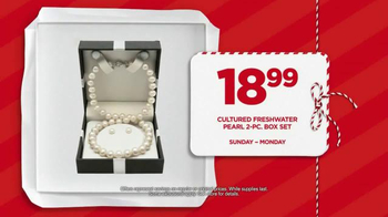 JCPenney Big Gift Sale TV Spot, 'Great Gifts' - Thumbnail 9